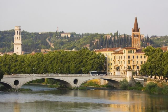 Foto di Verona e Fiume - Movingitalia.it