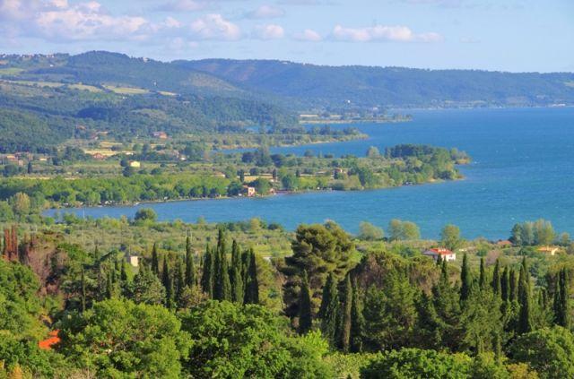 Natura verde e Lago di Bolsena - Movingitalia.it