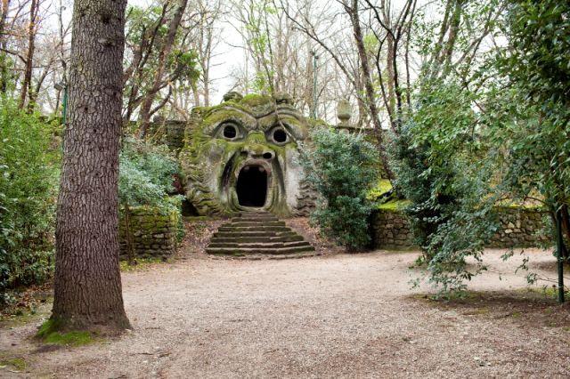 L' Ogre Statua Bomarzo a Viterbo