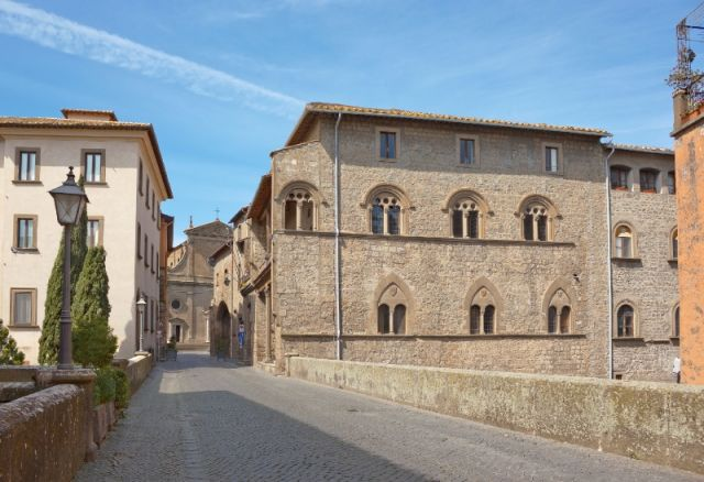 Palazzi a Viterbo - Movingitalia.it